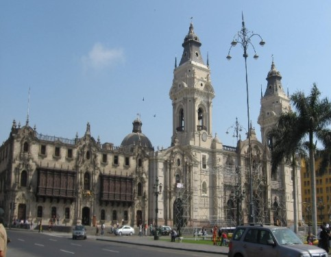 Lima - La Basilica (Traveltinerary)