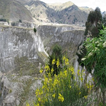 Toachi, Ecuador - More canyon view (Traveltinerary)