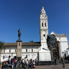 Quito, Ecuador - Plaza Grande (Traveltinerary)