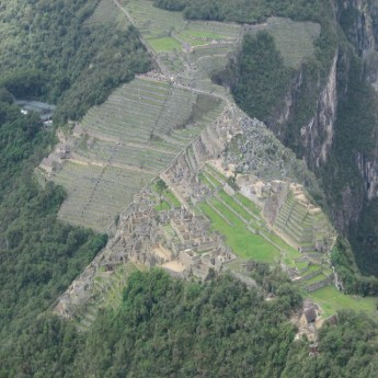 Waiyna Picchu - Clear view of Machu Picchu from Waiyna Picchu (Traveltinerary)