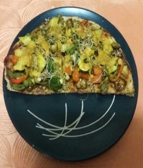 Dining - Veggie Pizza (Traveltinerary)