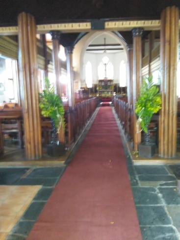 The aisle of the church (Traveltineraries)