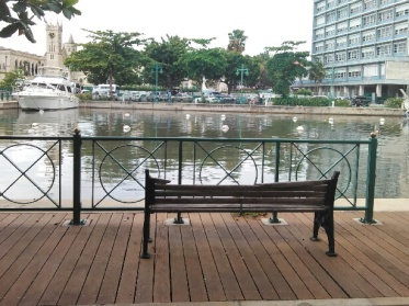 A view of Heroes Square across the water (Traveltineraries)