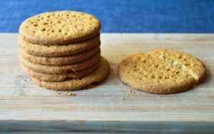 sweet snack crumbs digestive