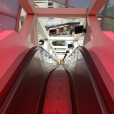 CNN Tour - Longest free standing Escalator - Traveltineraries